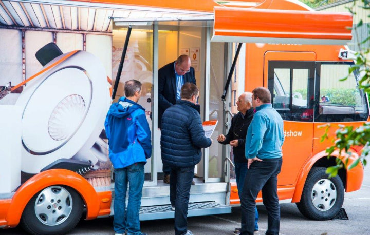 Guests at the LEDVANCE truck