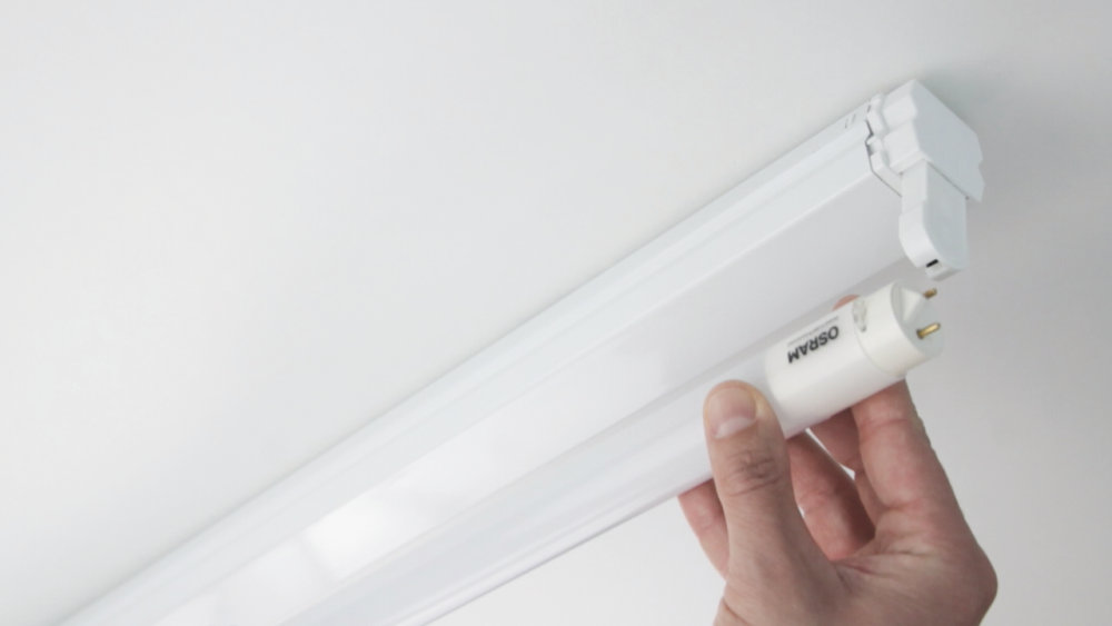LED tube mounting