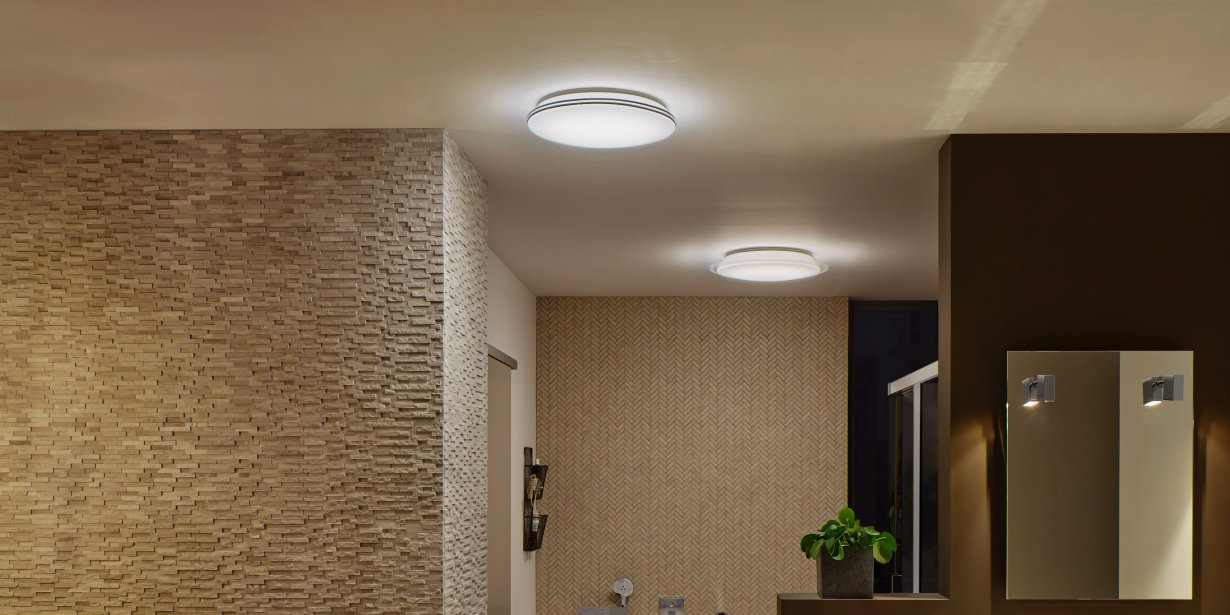 Round LED ceiling luminaires with polycarbonate cover