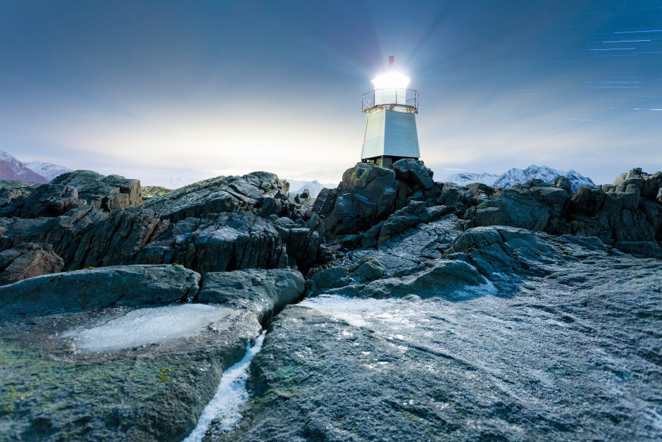 Illumination of lighthouses
