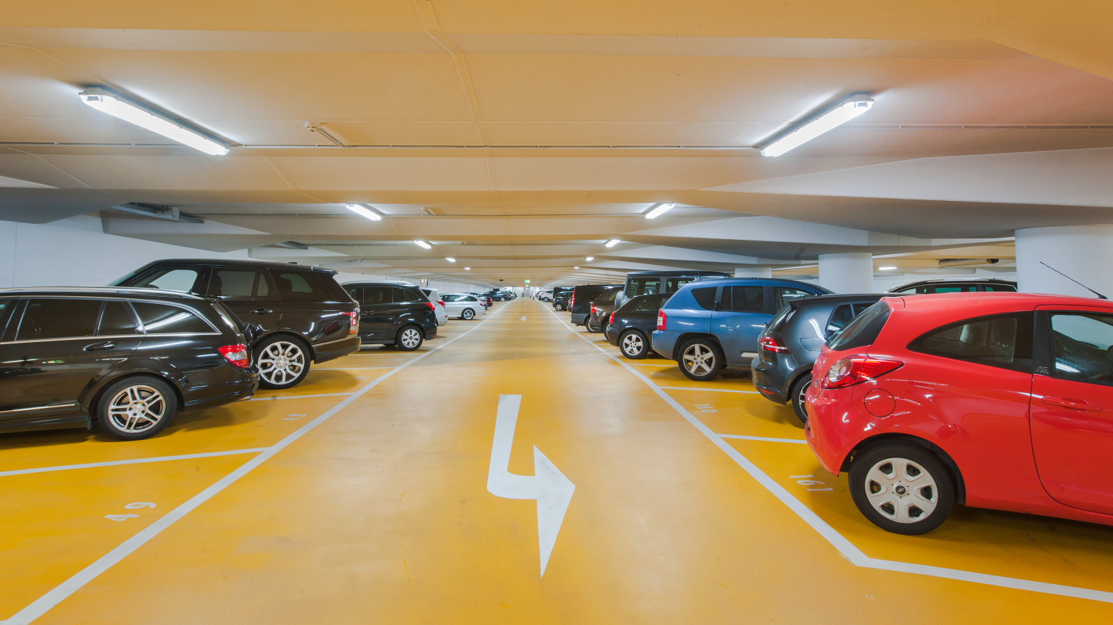 RELIABLE AND EFFICIENT LED TUBES IN CONTIPARK CAR PARKS