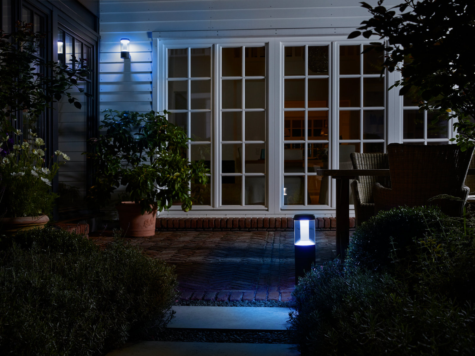 SMART+ Outdoor Lantern Modern Wall