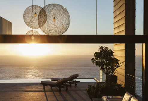 LEDVANCE lighting in patio of modern house